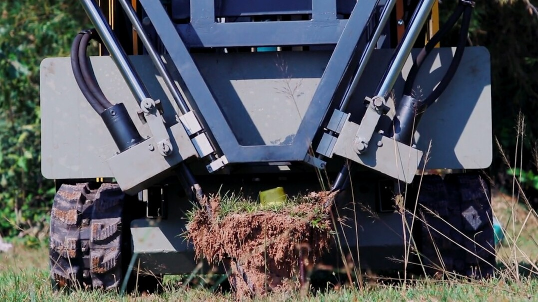 Robot do wykopywania min. Tak inżynier z Kambodży chce pomóc światu