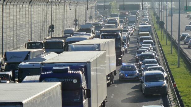 Korek trasie S8 (zdjęcie ilustracyjne) Tomasz Zieliński / Tvnwarszawa.pl