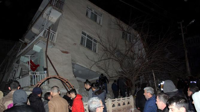 Trzęsienie ziemi w Turcji. Cztery osoby nie żyją